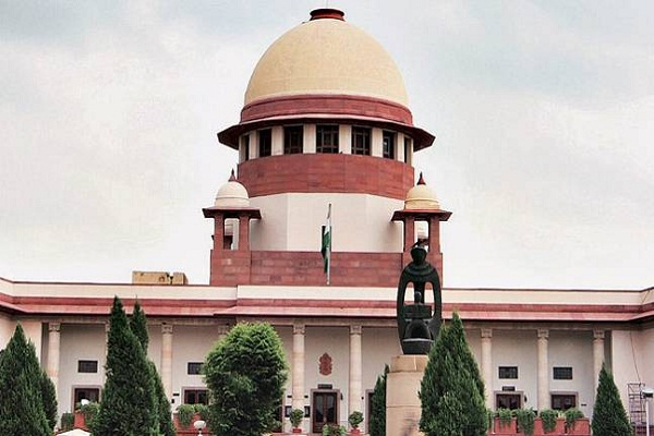 centre moves supreme court to stay proceedings against demonetisation