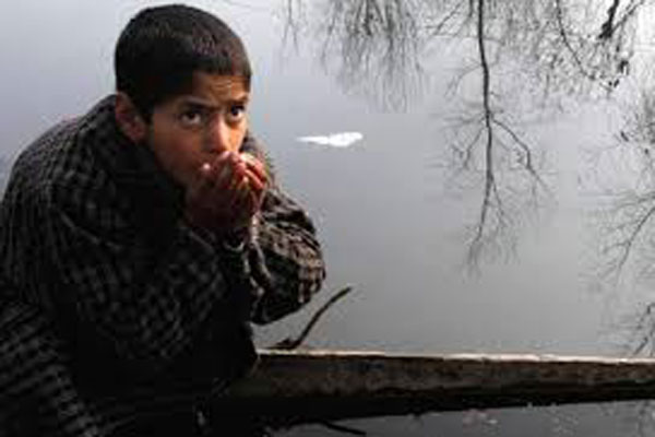 kashmir  s tempreature decreases day by day
