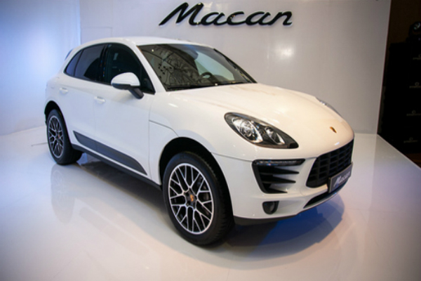 porsche macan r4 launched in india