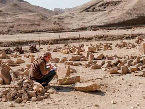 7000 year old lost city discovered  in egypt