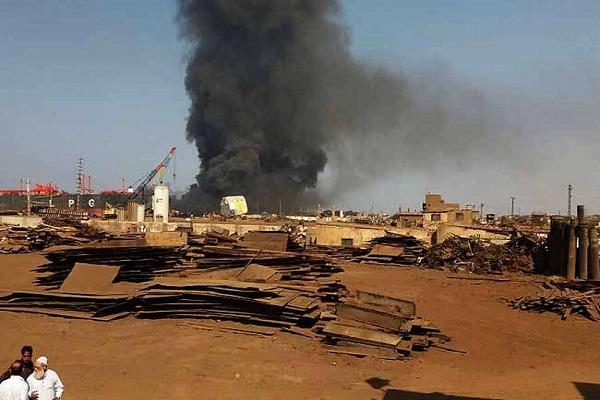 oil tanker explosion   10  killed  50 injured