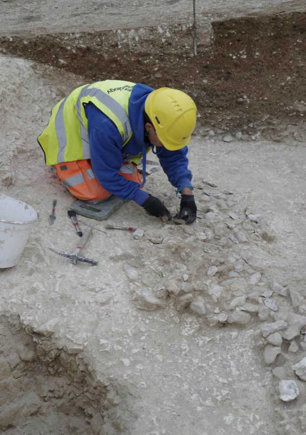 vast 5600year old religious centre discovered near stonehenge