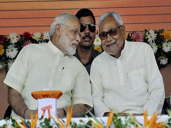 pm modi bravely riding a tiger  says nitish kumar on notes ban