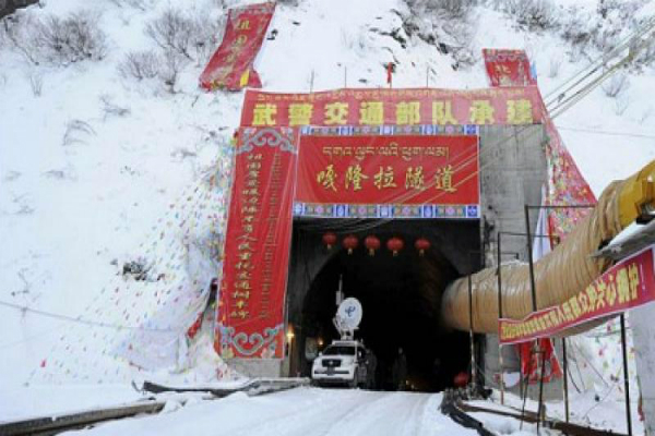 china builds world highest road tunnel to connect tibet