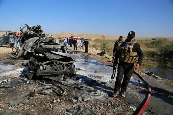 suicide bombers in ambulances kill 21 people in iraq