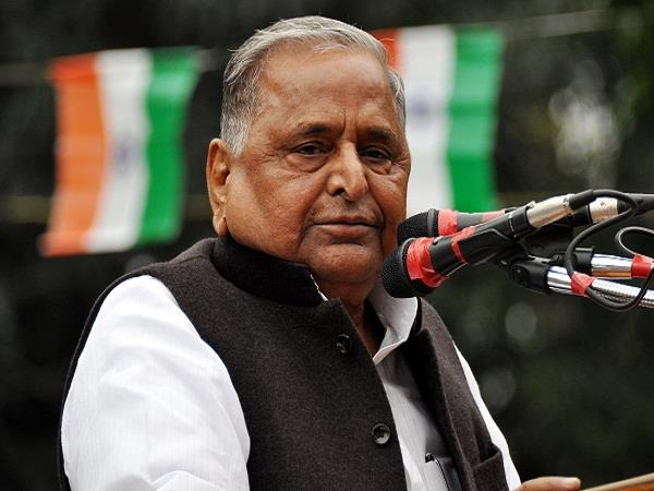 sp chief mulayam singh yadav released comics based on the life of