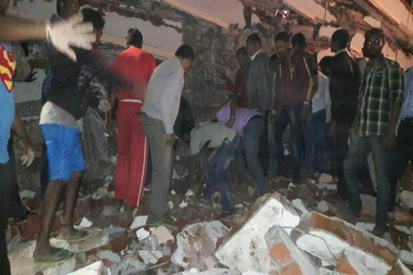7 storey building collapsed hyderabad