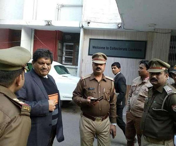 fir lodged by lawyers after the assault  the pcs officers strike in lucknow