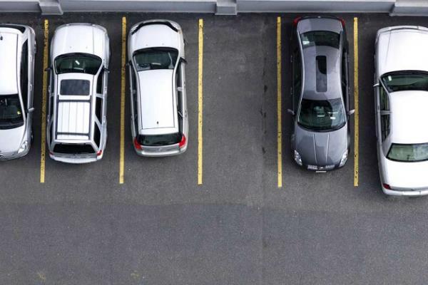 venkaiah naidu  parking space