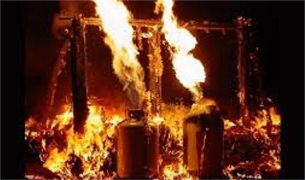 cylinder blast in kupwara