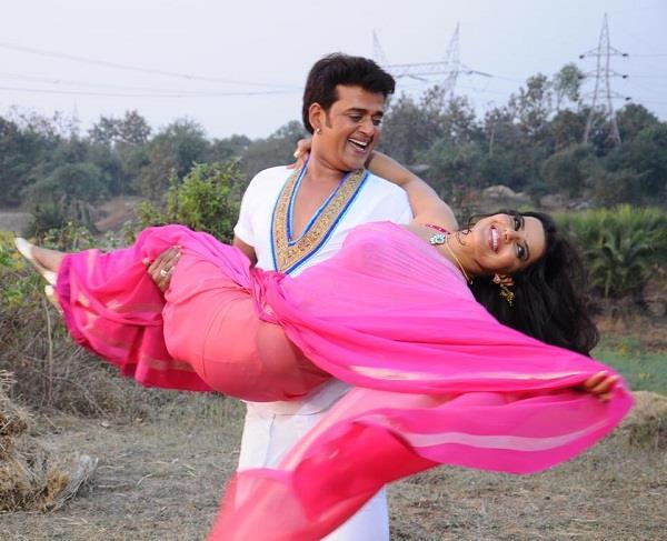 bhojpuri star ravi kishan had smiled at up government