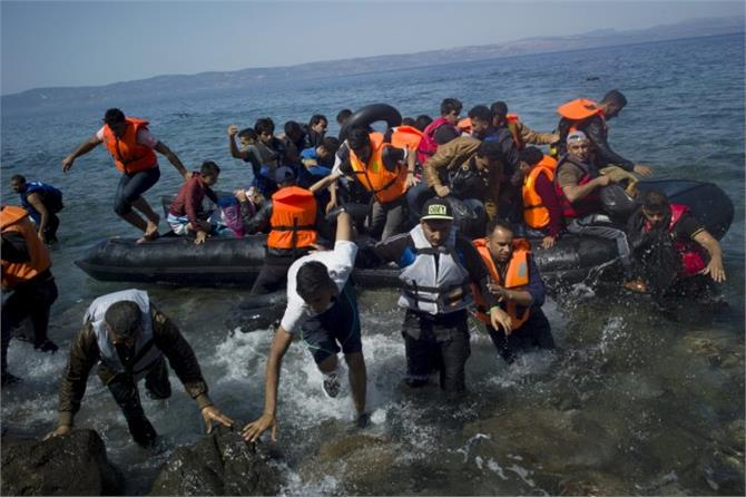 to reach europe illegally refugee pay large amount human traffickers