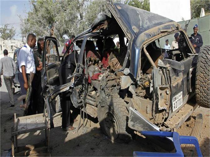 islamist car bomb in somali capital kills at least three police