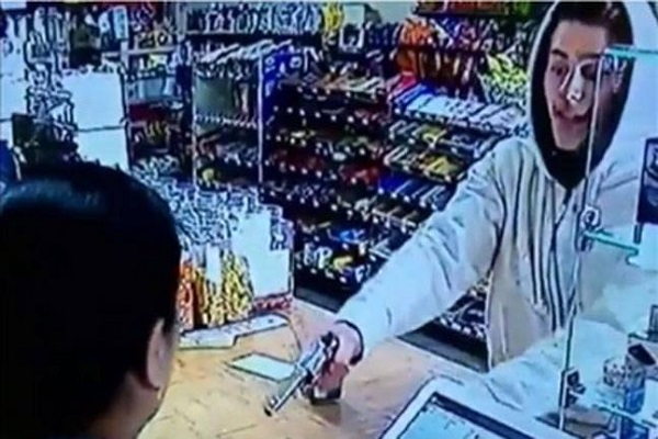 brave indian origin woman fight off an armed robber with bare hands in georgia united states