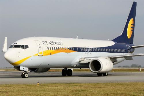 ahmedabad mumbai flight