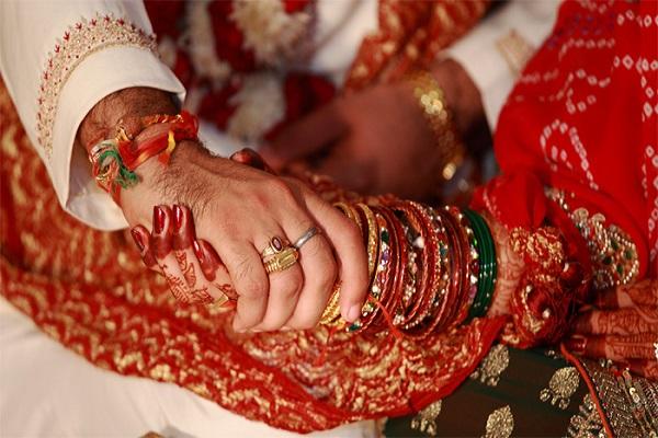 इस जगह भाई-बहन की आपस में करवाई जाती है शादी, इस चीज को माना जाता है साक्षी - brother sister merried