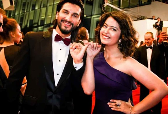 on the red carpet with boyfriend showed anandi