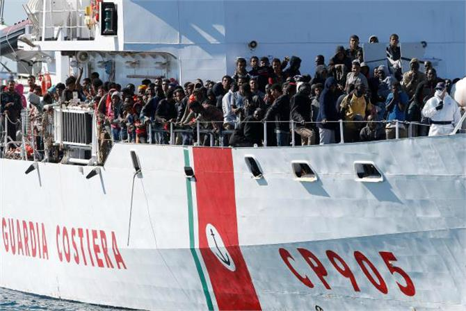 thousands of migrants saved in 23 rescue operations off libya
