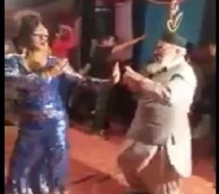 the pakistani leader jive to the beats are viral on social media