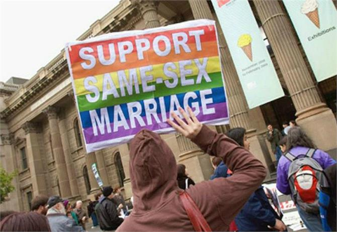 in australia thousands of people demonstrated in favor of gay marriage law