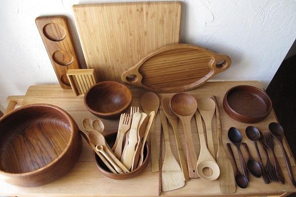 how to clean wooden utensils