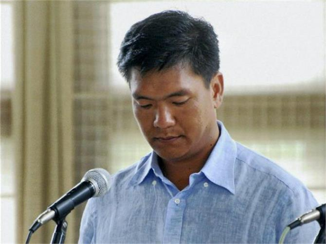 pema khandu s swearing ceremony today