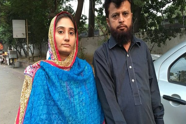 pakistani couple came to india in lahore delhi dosti bus service