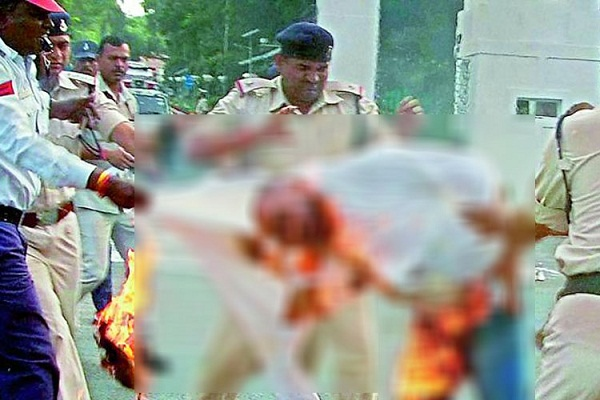 mp vyapam whistle blower tries to immolate himself