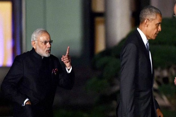 pm narendra modi and barack obama photo viral in social media