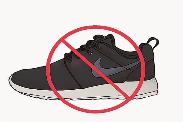shoe markets are selling nike and adidas  s fake shoes