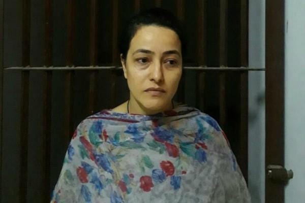 sukhdeep kaur aunty refused to verifying to honeypreet