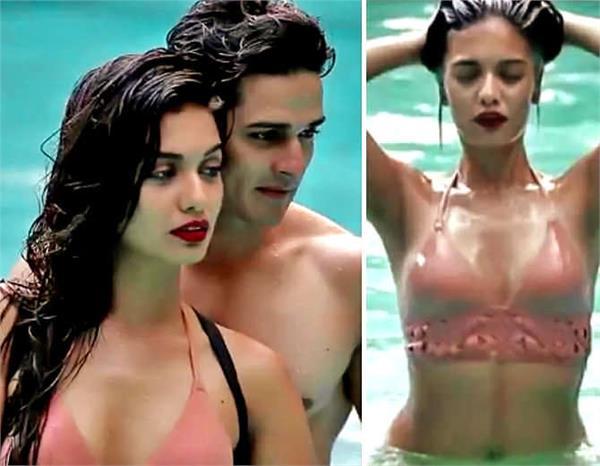 priyank sharma romantic pose with girlfriend divya agarwal