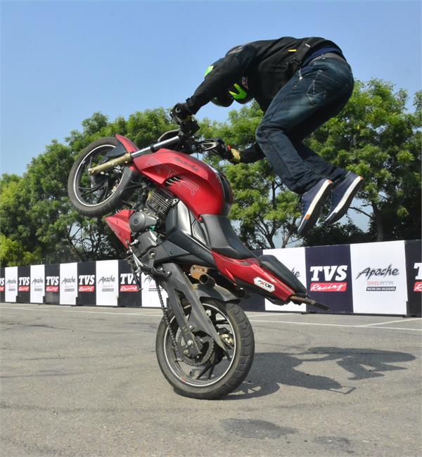 motorcycle professional stuntman