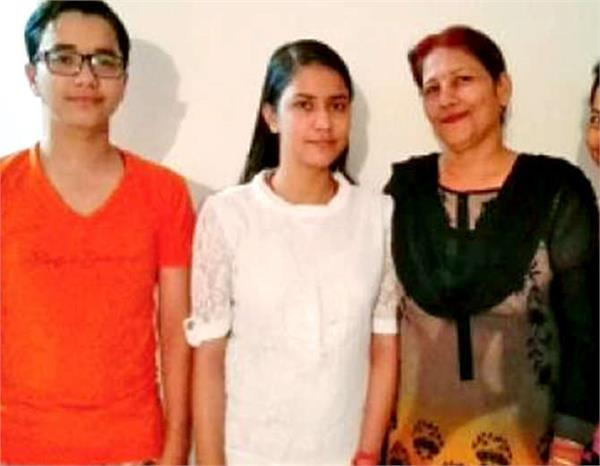 up cpat neha bhalla tops lucknow after 568 points
