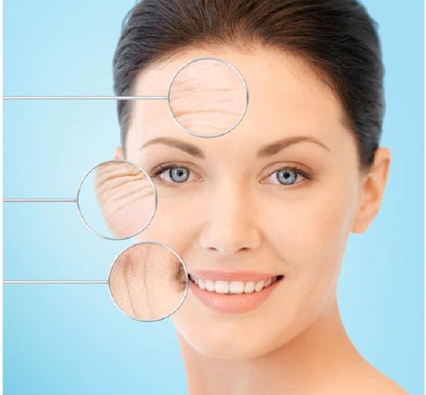 कम उम्र में ही चेहरे पर नजर आए झुर्रियां तो अपनाएं ये नैचुरल तरीके