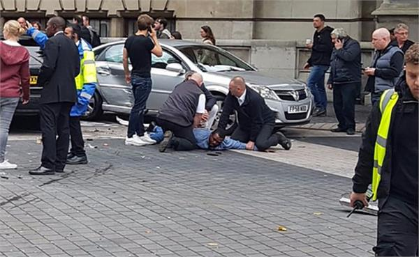 11 injured as car hits pedestrians near london museum