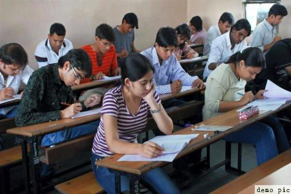 cbse instead of jee mains rule  students get benefit
