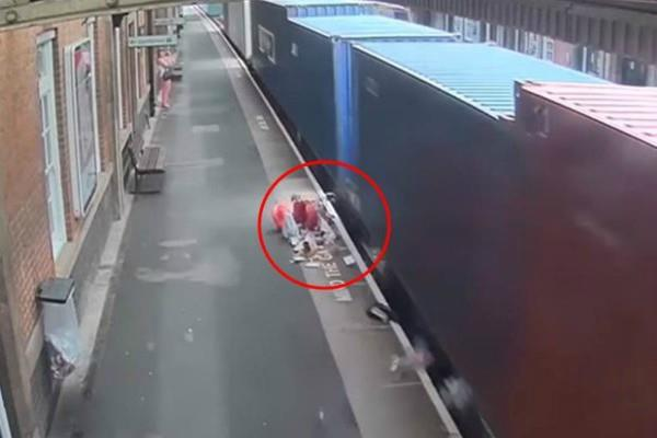 video  the pram hit the train