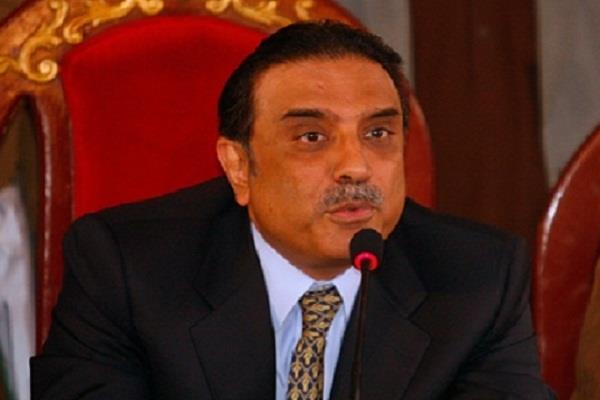 zardari warns public to nawaz