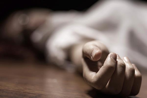minor girl of suspicious death without post mortem take the dead body family