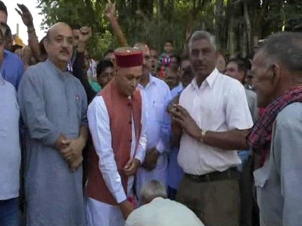 election rally in between sujanpur from dhumal of promotion campaign