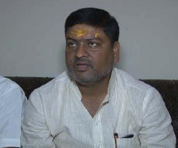 pawan pandey detained after vvip activities in ayodhya