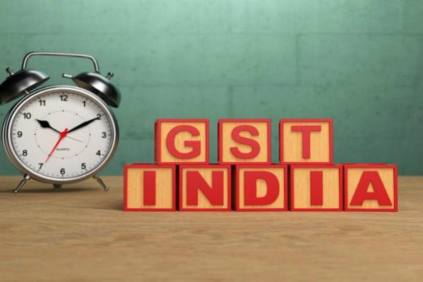 relief for businessmen last date for filing returns in gst extend