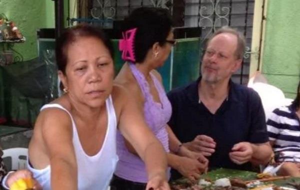 las vegas gunman  s girlfriend says paddock was a  kind man