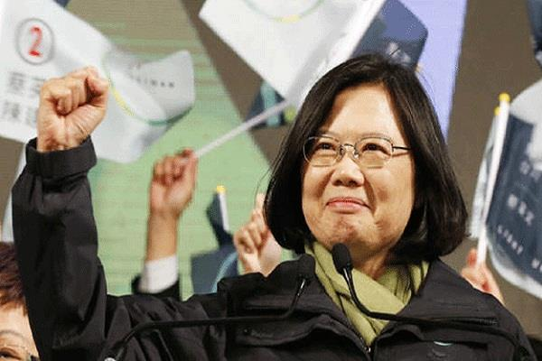 taiwan will strengthen the army  but advocate of peace  president