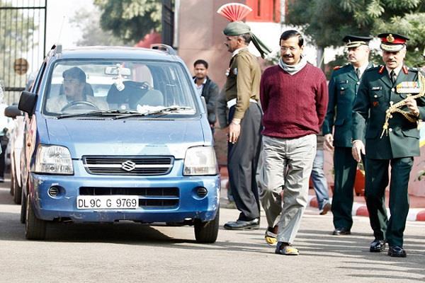 car theft from arvind kejriwal delhi secretariat