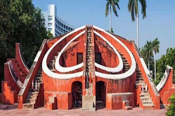 performance ban on jantar mantar  ngt reports sought from delhi police