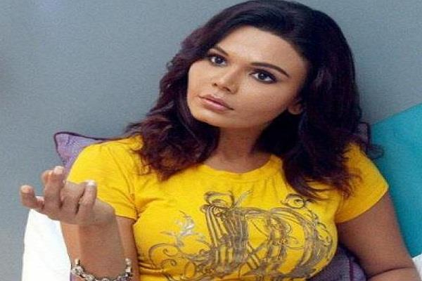 high court gives relief to rakhi sawant