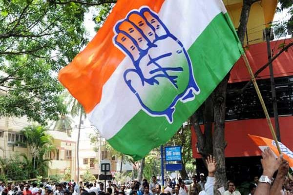 two congress candidates filed nomination from one seat of surat