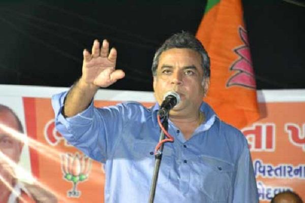 karni sena protest paresh rawal statement